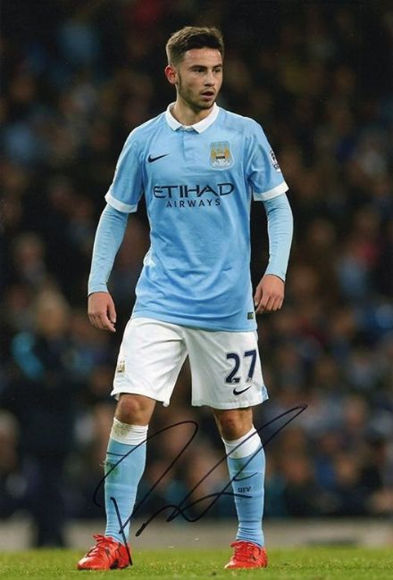 Patrick Roberts, Manchester City, signed 12x8 inch photo.